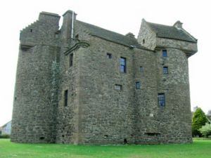 Scots Baronial - Claypotts Castle