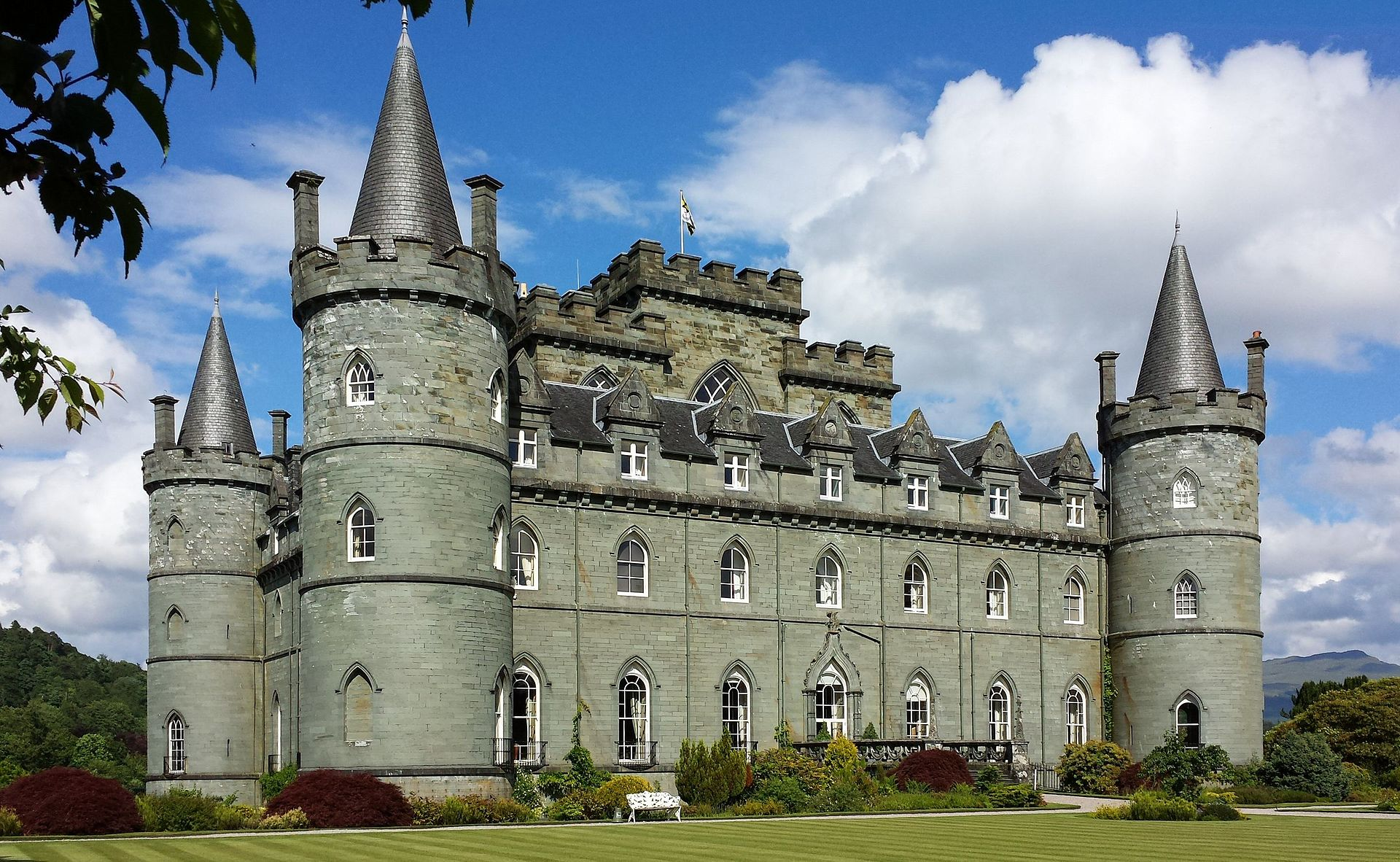 Picture of the Inveraray Castle