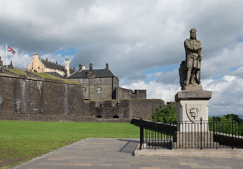 Statue of King Robert the Bruce outside Stirling Castle