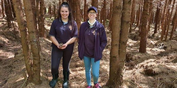 Shannon et Heather, membres de l'équipe Highland Titles